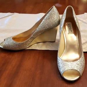 Badgley Mischka Gold Glitter Peeptoe Wedge Heels